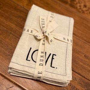 🍽 Rae Dunn LOVE Embroidered Napkin Set (4)